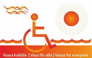 Kuva pyörätuolissa istuvasta ihmisestä, merestä ja auringosta.