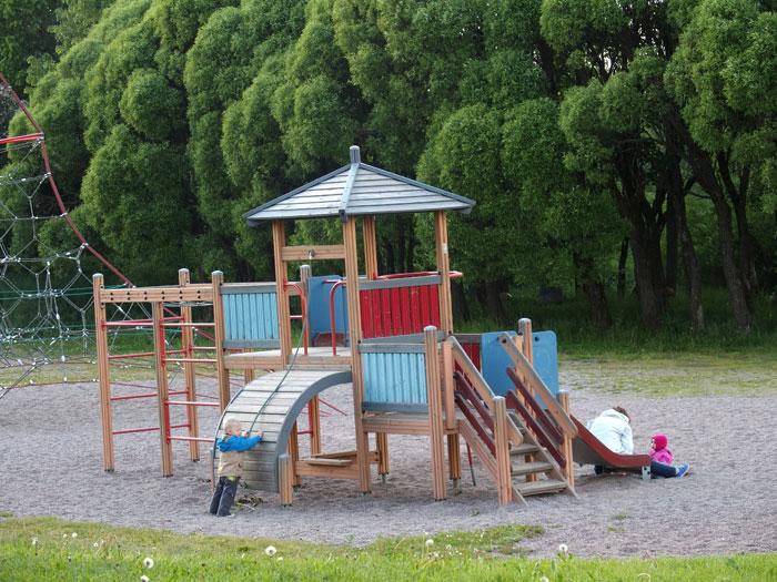 Leikkipuisto