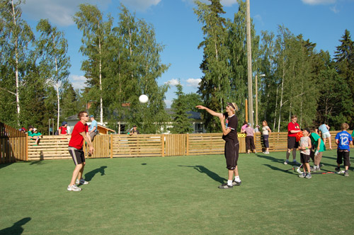 Pelata lentopalloa